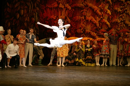 Maria Aleksandrova in 'The Bright Stream'. Photo: Damir Yusupov