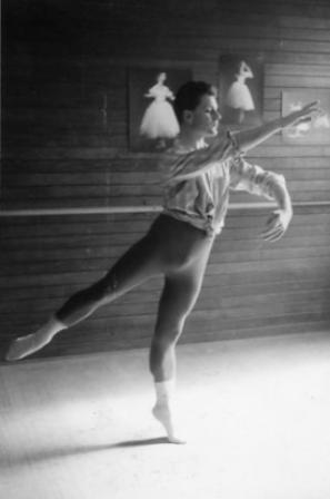 Robin Grove in the Ballet Guild studios (1), Melbourne ca. 1967. Photo: Vivien Jones