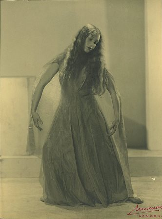 Laurel Martyn in 'Exile', London 1935
