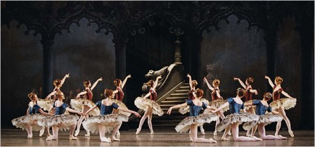 Artists of the Paris Opera Ballet in 'Paquita'