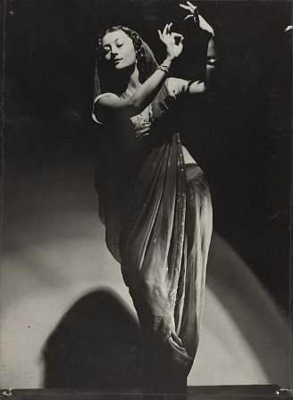 Eileen Kramer in 'Indian Love Song', 1952. Photo: Noel Rubie