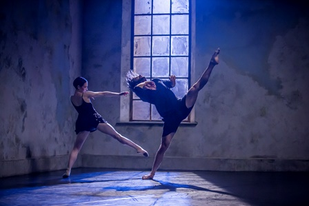 Sydney Dance Company's 'Frame of Mind' featuring Richard Cilli and Jesse Scales. Photo: Peter Greig
