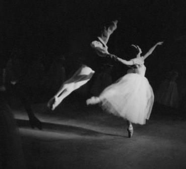 Marilyn Jones and Jonathan Watts in 'Les Sylphides'. The Australian Ballet 1963. Photo Walter Stringer, National Library of Australia
