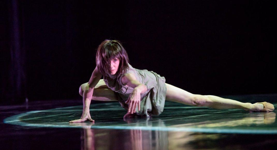 techne. Sylvie Guillem. Photo by Bill Cooper