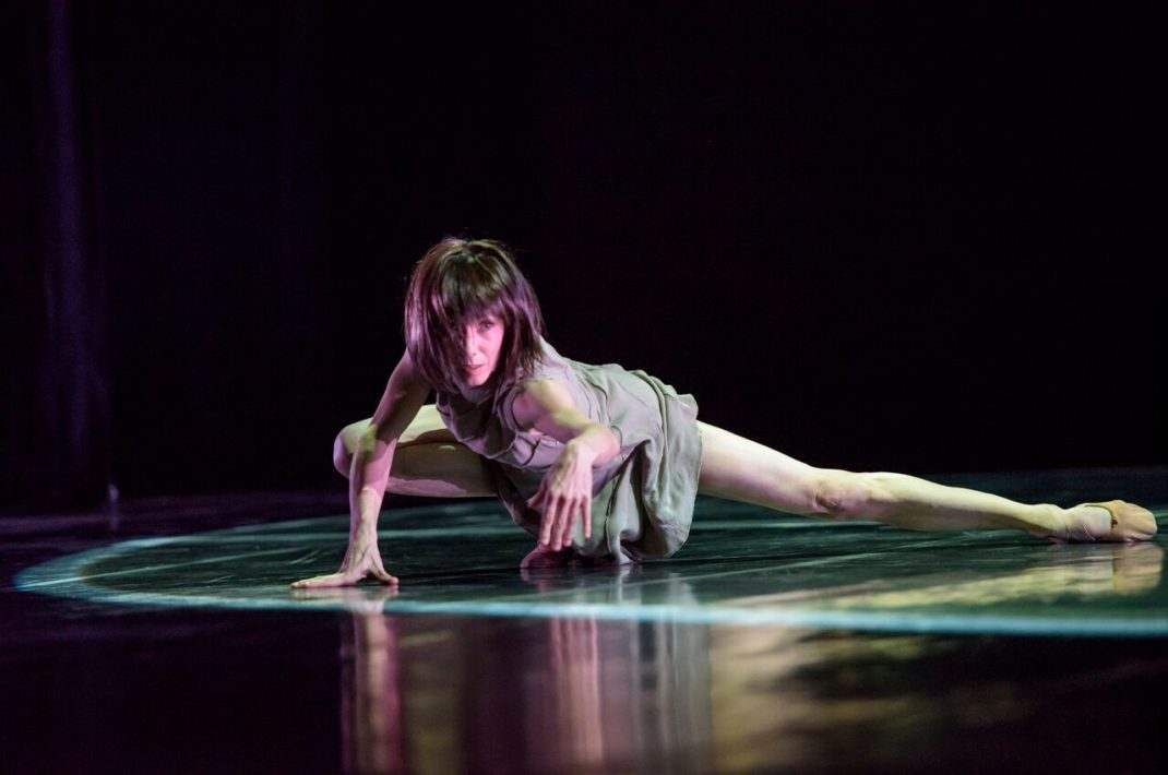 techne. Sylvie Guillem. Photo by Bill Cooper