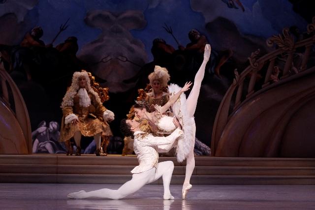 Kevin Jackson and Lana Jones in David McAllister's 'The Sleeping Beauty'. The Australian Ballet, 2015. Photo: Jeff Busby
