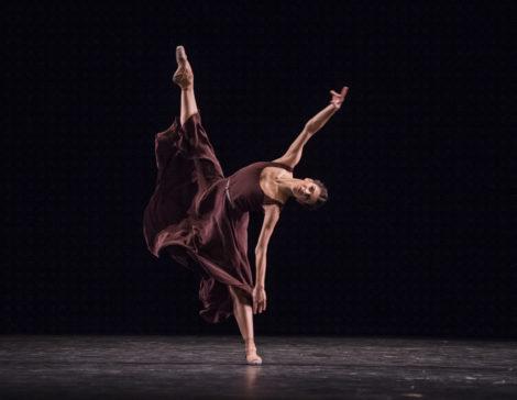 Mayara Magri in The Illustrated Farewell. The Royal Ballet, 2017. © ROH. Photo: Tristram Kenton