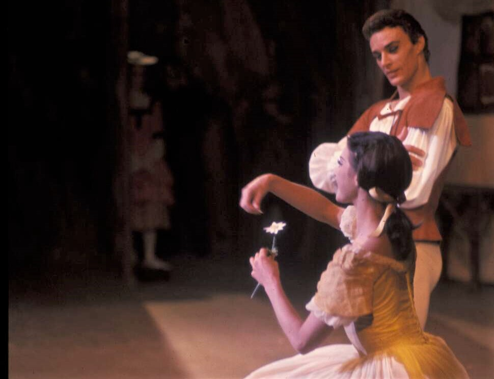 Bryan Lawrence and Marilyn Jones in Giselle. Photo: Walter Stringer