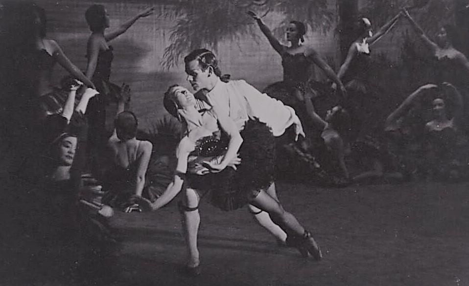 Edna Busse and Kenneth Gillespie in 'The Black Swan', Borovansky Ballet, 1950