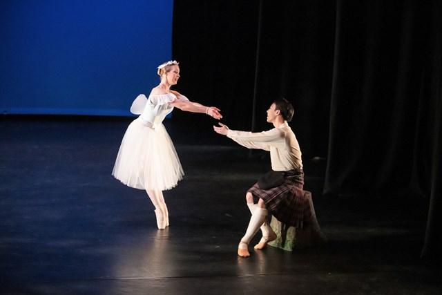 Jaidyn Cumming and Bo Hao ZHan in 'La Sylphide'. New Zealand School of Dance Graduation, 2018. Photo: Stephen A'Court