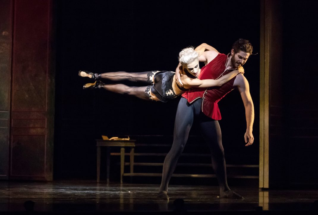 Laura Hidalgo and Alexander Idaszak in Liam Scarlett's 'Dangerous Liaisons'. Quensland Ballet, 2019. Photo David Kelly