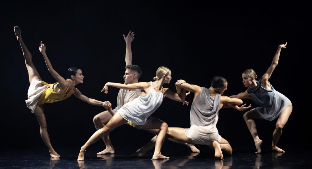 Artists of Sydney Dance Company in Rafael Bonachela's 'Cinco', 2019. Photo: Pedro Greig