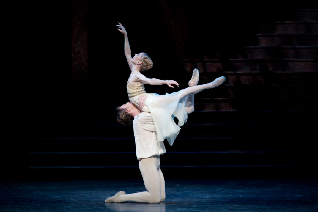 Sarah Lamb and Vadim Muntagirov in 'Romeo and Juliet'. The Royal Ballet. © 2015 ROH. Photographer Alice Pennefather