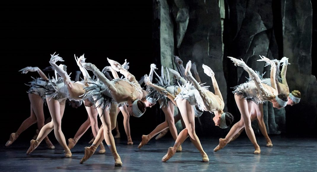 Dancers of the Monte Carlo Ballet in 'LAC', 2019. Photo: © Alice Blangero