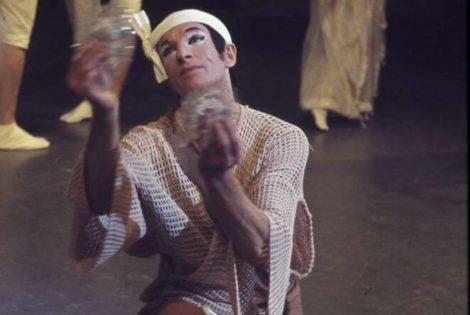 Alan Alder as Hakuryo in Robert Helpmann's 'Yugen'. The Australian Ballet 1965. Photo: Walter Stringer