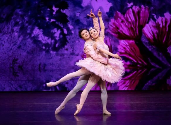 Ako Kondo and Chengwu Guo in 'The Nutcracker'. The Australian Ballet, 2019. Photo: © Daniel Boud