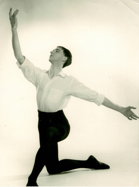 An early dance portrait of Athol Willoughby, 1940s(?). Courtesy of Anne Butler