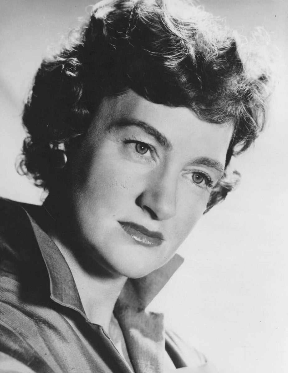 Portrait of Betty Pounder, 1940s (?). National Library of Australia, J. C. Williamson Collection. Photographer not identified